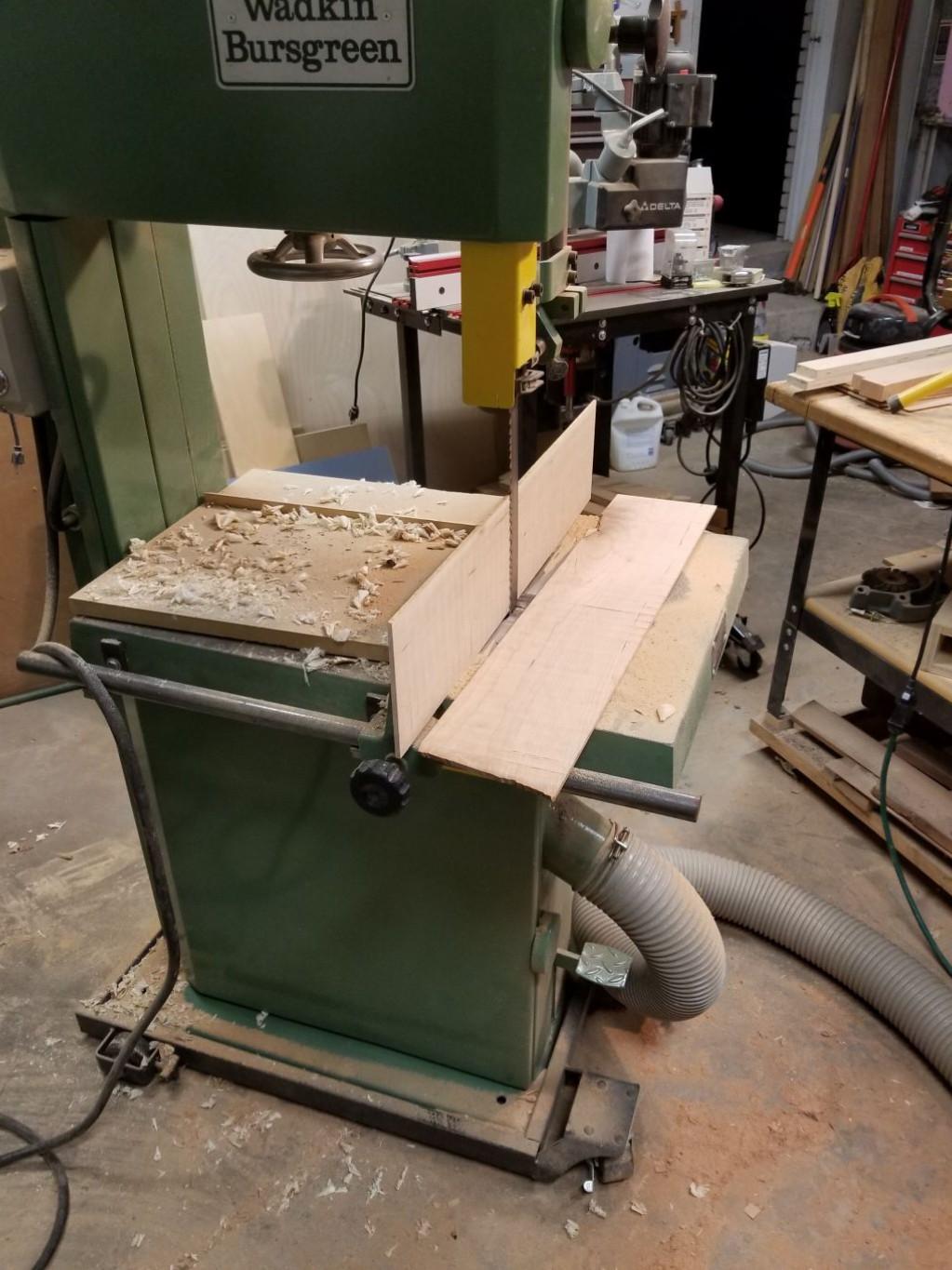 resawing for back veneer